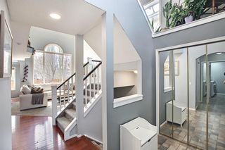 Photo 3: 10823 Valley Springs Road NW in Calgary: Valley Ridge Detached for sale : MLS®# A1107502
