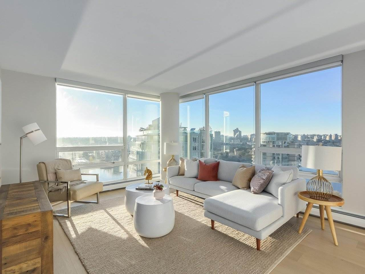 "Main Photo: 2606 1201 MARINASIDE Crescent in Vancouver: Yaletown Condo for sale in ""THE PENINSULA"" (Vancouver West)  : MLS®# R2363085"