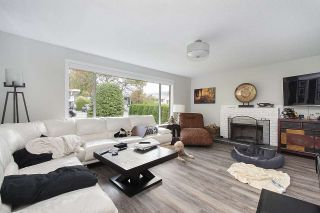 Photo 3: 915 E 14TH Street in North Vancouver: Boulevard House for sale : MLS®# R2511076