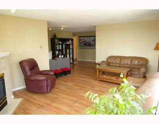 """Photo 2: 701 98 10TH Street in New_Westminster: Downtown NW Condo for sale in """"PLAZA POINTE"""" (New Westminster)  : MLS®# V774706"""