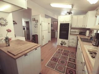 Photo 3: VISTA Manufactured Home for sale : 2 bedrooms : 200 S Emerald Dr #Spc 32