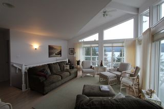 Photo 2: 7851 Squilax Anglemont Road in Anglemont: North Shuswap House for sale (Shuswap)  : MLS®# 10093969