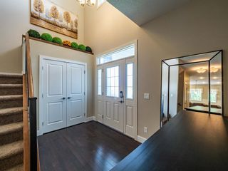 Photo 2: 159 ST MORITZ Drive SW in Calgary: Springbank Hill Detached for sale : MLS®# A1116300
