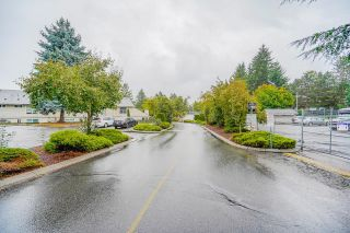Photo 2: 99 3030 TRETHEWEY Street in Abbotsford: Central Abbotsford Townhouse for sale : MLS®# R2618053