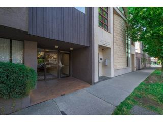 """Photo 2: 203 3255 HEATHER Street in Vancouver: Cambie Condo for sale in """"Alta Vista Court"""" (Vancouver West)  : MLS®# R2197183"""