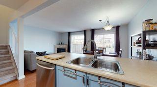 Photo 9: 13948 137 St in Edmonton: House Half Duplex for sale : MLS®# E4235358