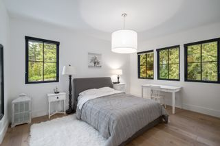 Photo 20: 4638 Woodgreen Drive in West Vancouver: Cypress Park Estates House for sale : MLS®# r2444495