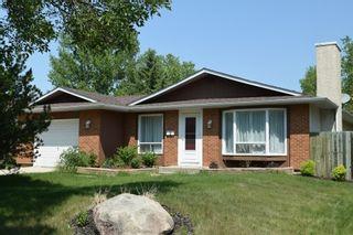 Photo 1: 2 Swan Lake Bay in Winnipeg: Fort Garry / Whyte Ridge / St Norbert Single Family Detached for sale (South Winnipeg)