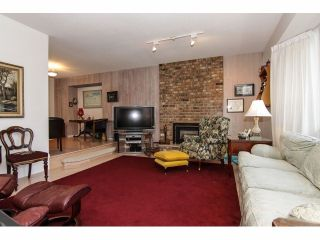 """Photo 4: 24697 48B Avenue in Langley: Salmon River House for sale in """"STRAWBERRY HILLS"""" : MLS®# F1326525"""