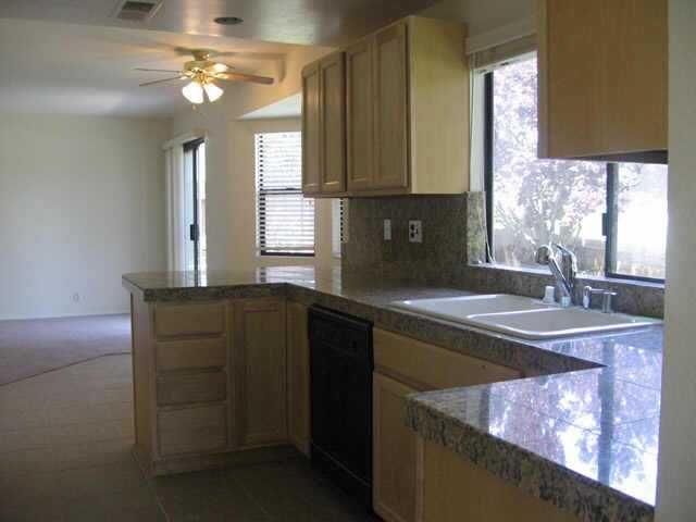 Photo 2: Photos: NORTH ESCONDIDO Residential for sale : 4 bedrooms : 410 Elkhorn Ln in Escondido