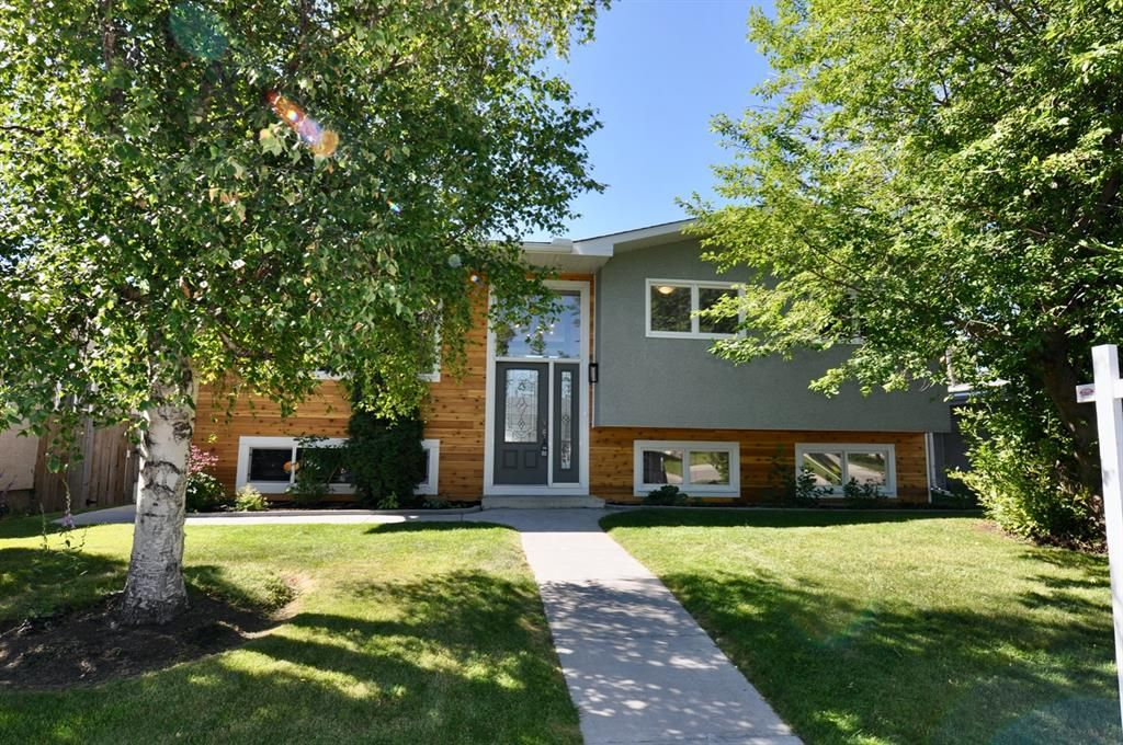 Main Photo: 235 99 Avenue SE in Calgary: Willow Park Residential for sale : MLS®# A1016375