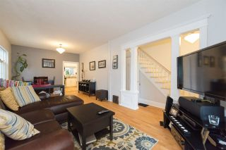 Photo 3: 632 E 20TH Avenue in Vancouver: Fraser VE House for sale (Vancouver East)  : MLS®# R2117821