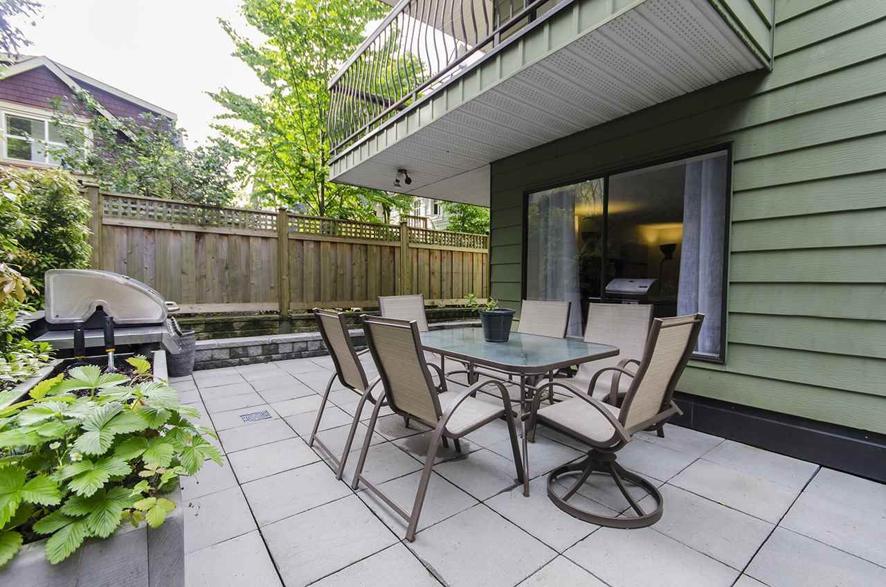 "Main Photo: 114 1844 W 7TH Avenue in Vancouver: Kitsilano Condo for sale in ""CRESTVIEW"" (Vancouver West)  : MLS®# R2061882"