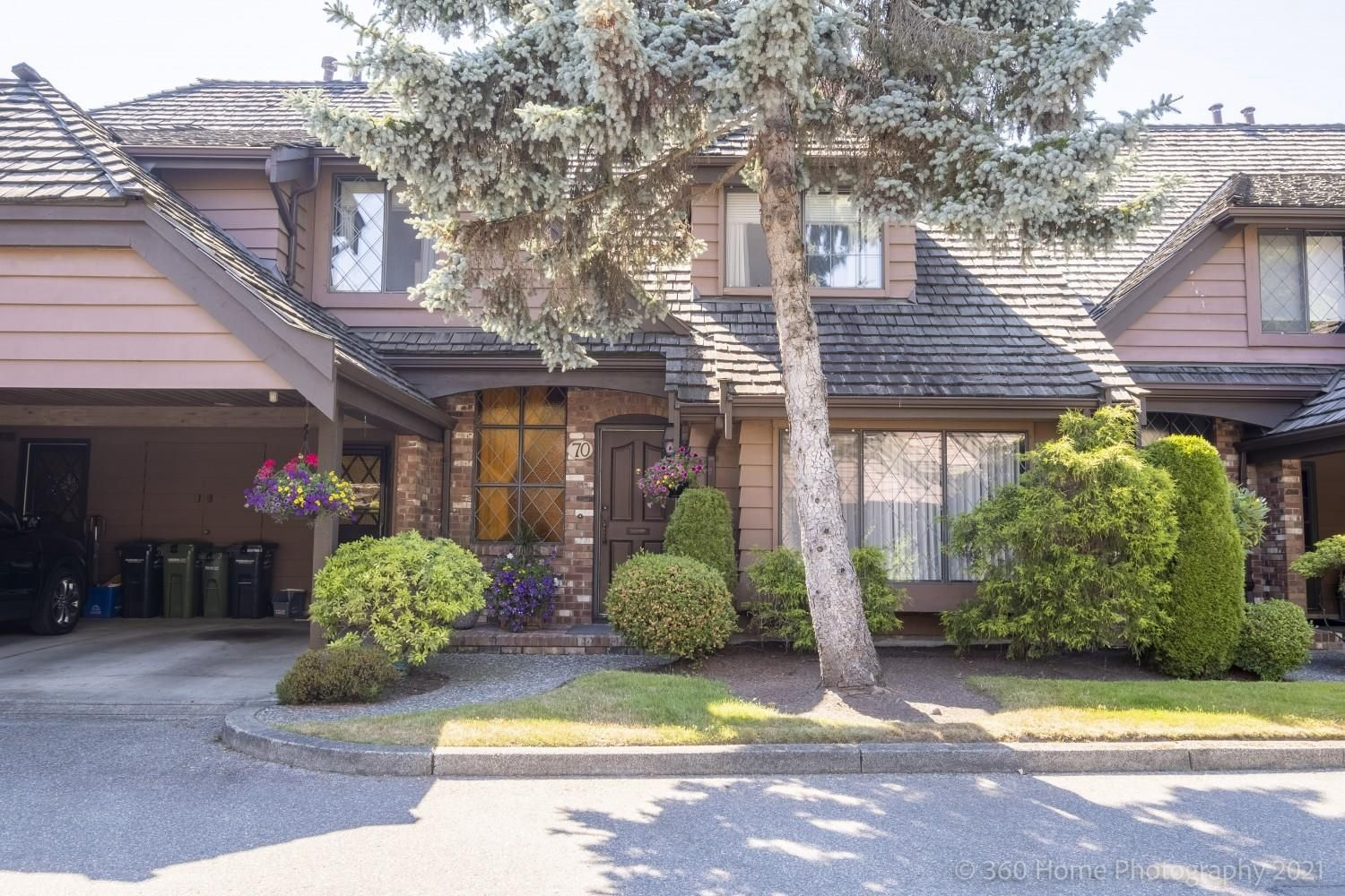 Main Photo: 70 6600 LUCAS Road in Richmond: Woodwards Townhouse for sale : MLS®# R2580800