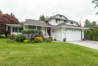 """Photo 1: 4548 SOUTHRIDGE Crescent in Langley: Murrayville House for sale in """"Murrayville"""" : MLS®# R2375830"""
