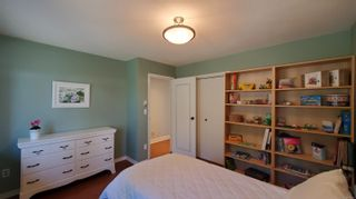 Photo 32: 3703 Signal Hill Rd in : GI Pender Island House for sale (Gulf Islands)  : MLS®# 870335