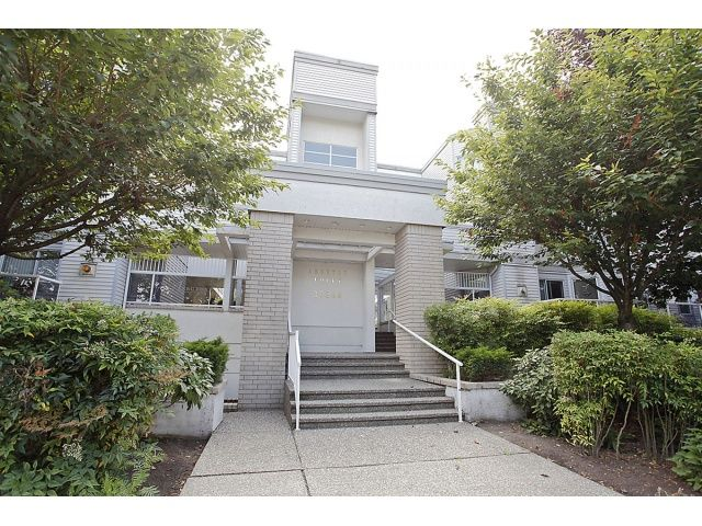 """Main Photo: 105 20240 54A Avenue in Langley: Langley City Condo for sale in """"Arbutus Court"""" : MLS®# F1315776"""
