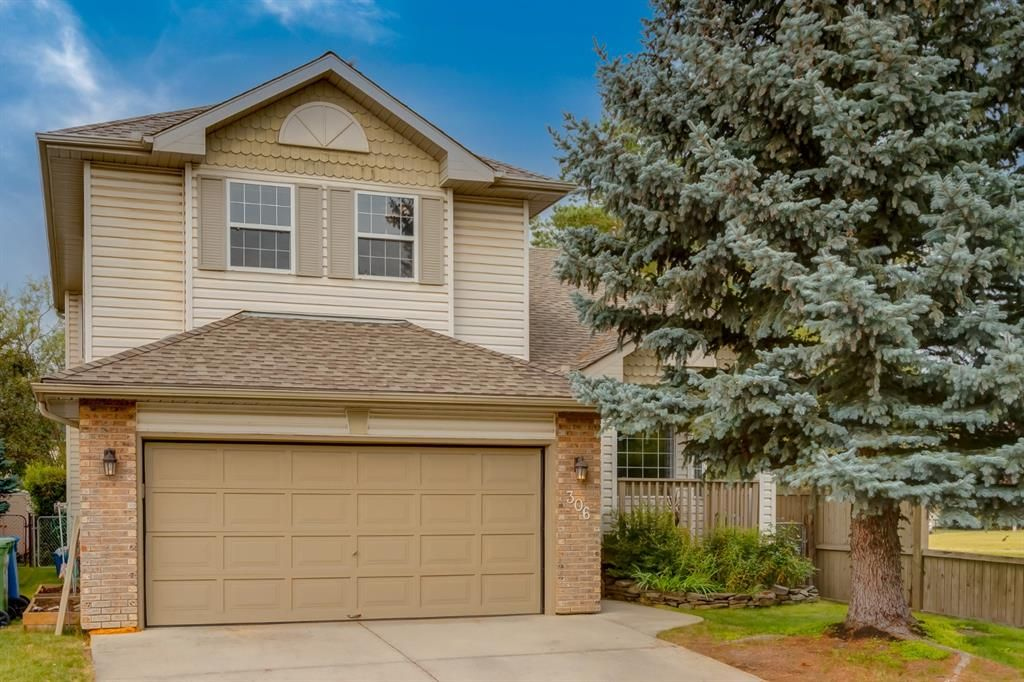 Main Photo: 306 Riverview Circle SE in Calgary: Riverbend Detached for sale : MLS®# A1140059