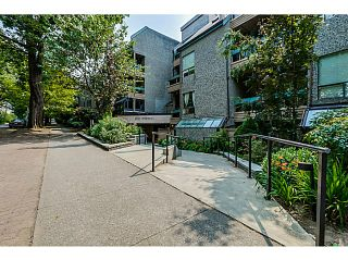 "Photo 1: 410 1500 PENDRELL Street in Vancouver: West End VW Condo for sale in ""PENDRELL MEWS"" (Vancouver West)  : MLS®# V1134010"