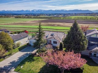 Photo 1: 1381 Williams Rd in : CV Courtenay East House for sale (Comox Valley)  : MLS®# 873749