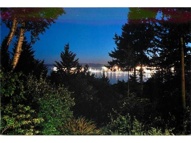 "Main Photo: 677 ENGLISH BLUFF Road in Tsawwassen: English Bluff House for sale in ""ENGLISH BLUFF"" : MLS®# V925812"