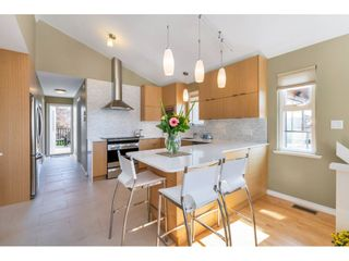 """Photo 7: 866 STEVENS Street: White Rock House for sale in """"west view"""" (South Surrey White Rock)  : MLS®# R2505074"""