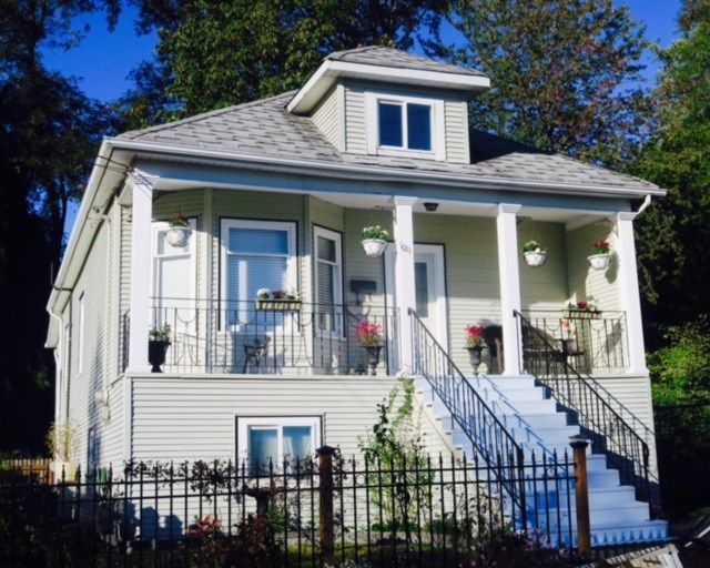 Main Photo: 1011 E 45TH Avenue in Vancouver: Fraser VE House for sale (Vancouver East)  : MLS®# R2114271