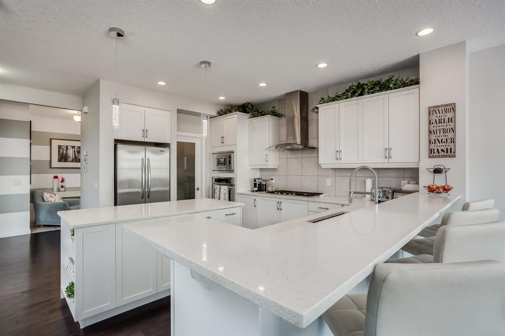 Main Photo: 114 CHAPARRAL VALLEY Square SE in Calgary: Chaparral Detached for sale : MLS®# A1074852