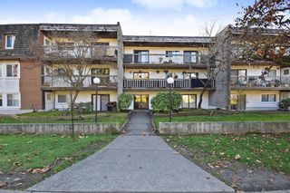 """Photo 1: 311 33870 FERN Street in Abbotsford: Central Abbotsford Condo for sale in """"Fernwood Manor"""" : MLS®# R2420512"""