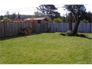 Photo 9:  in VICTORIA: La Glen Lake Half Duplex for sale (Langford)  : MLS®# 396131