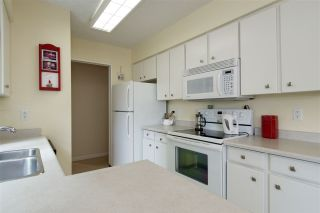 """Photo 11: 106 1351 MARTIN Street: White Rock Condo for sale in """"The Dogwood"""" (South Surrey White Rock)  : MLS®# R2186058"""