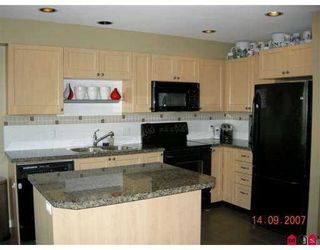 """Photo 4: 74 15168 36TH Avenue in Surrey: Morgan Creek Townhouse for sale in """"Solay"""" (South Surrey White Rock)  : MLS®# F2723651"""