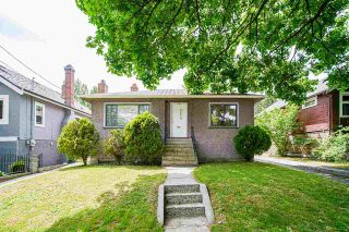 Photo 1: 360 E 24TH Avenue in Vancouver: Main House for sale (Vancouver East)  : MLS®# R2590012