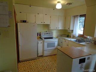 Photo 4: 14 OTTAWA Place in Regina: Churchill Downs Single Family Dwelling for sale (Regina Area 03)  : MLS®# 589785
