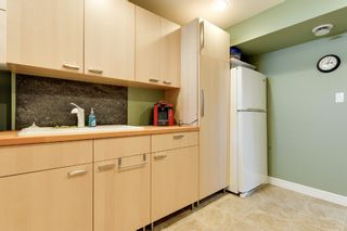Photo 8: 6308 92B Avenue NW in Edmonton: OTTEWELL House for sale