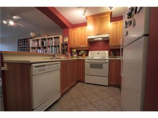 """Photo 5: 304 1428 PARKWAY Boulevard in Coquitlam: Westwood Plateau Condo for sale in """"MONTREAUX"""" : MLS®# V1072505"""