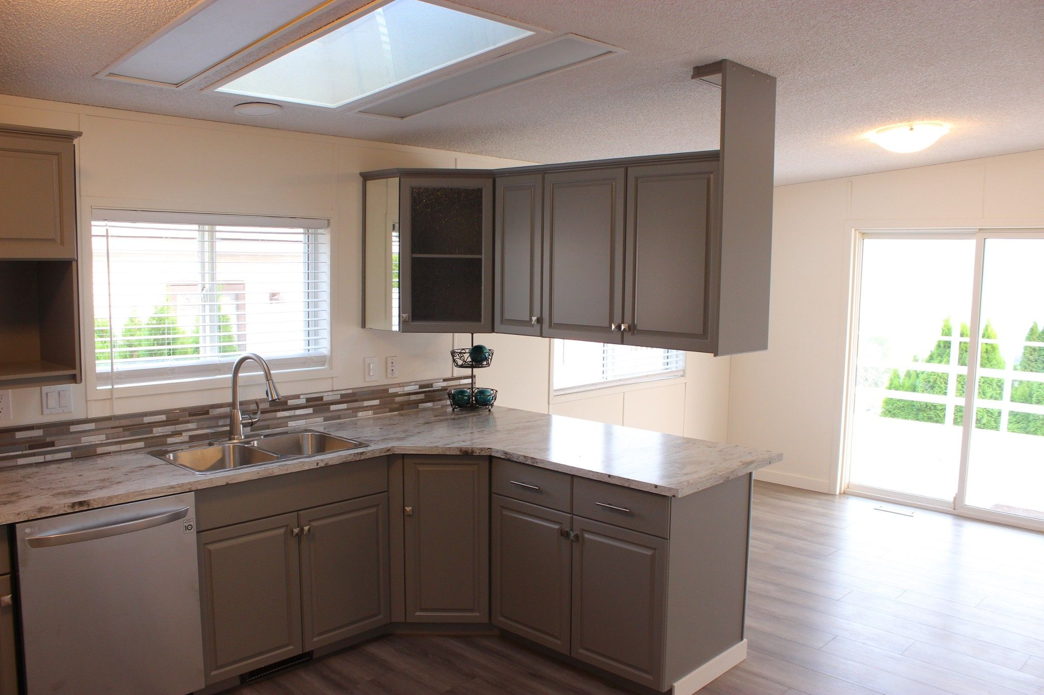 Photo 6: Photos: 22 3099 E Shuswap Road in Kamloops: South Thompson Valley Manufactured Home for sale : MLS®# 147827