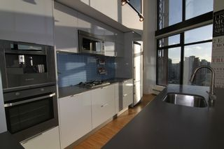 """Photo 7: 2910 128 W CORDOVA Street in Vancouver: Downtown VW Condo for sale in """"WOODWARDS"""" (Vancouver West)  : MLS®# V987819"""