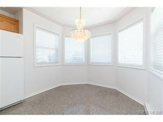 Photo 7: 1283 Santa Rosa Ave in VICTORIA: SW Strawberry Vale House for sale (Saanich West)  : MLS®# 705878