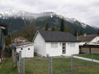 Photo 20: 234 CARIBOO Avenue in Hope: Hope Center House for sale : MLS®# R2558211