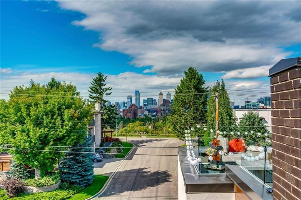 Main Photo: 3602 2 Street SW in Calgary: Parkhill Semi Detached for sale : MLS®# C4289888