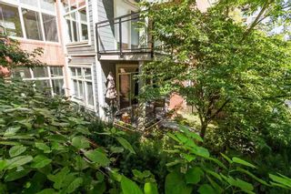 Photo 4: 101 101 MORRISSEY ROAD in Port Moody: Port Moody Centre Condo for sale : MLS®# R2113935