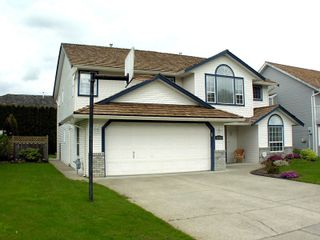 """Photo 3: 35453 LETHBRIDGE Drive in Abbotsford: Abbotsford East House for sale in """"Sandy Hill"""" : MLS®# F1110467"""