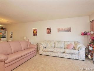 Photo 4: 206 929 Esquimalt Rd in VICTORIA: Es Old Esquimalt Condo for sale (Esquimalt)  : MLS®# 677584