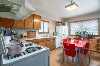 """Photo 7: 2063 NAPIER Street in Vancouver: Grandview VE House for sale in """"Commercial Drive"""" (Vancouver East)  : MLS®# R2124487"""