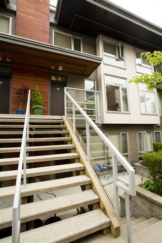 """Photo 3: 215 735 WEST 15TH Street in North Vancouver: Mosquito Creek Townhouse for sale in """"Seven 35"""" : MLS®# R2387259"""