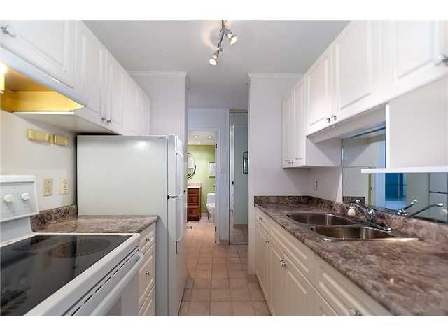 """Photo 2: Photos: 102 1740 COMOX Street in Vancouver: West End VW Condo for sale in """"THE SANDPIPER"""" (Vancouver West)  : MLS®# V945019"""