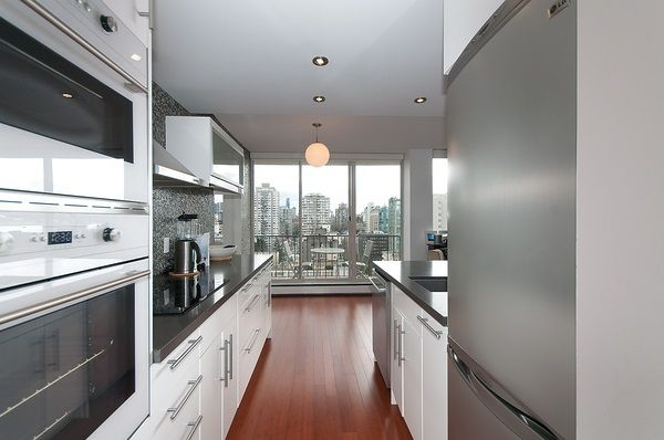 """Photo 8: Photos: 1601 2055 PENDRELL Street in Vancouver: West End VW Condo for sale in """"Panorama Place"""" (Vancouver West)  : MLS®# R2046981"""