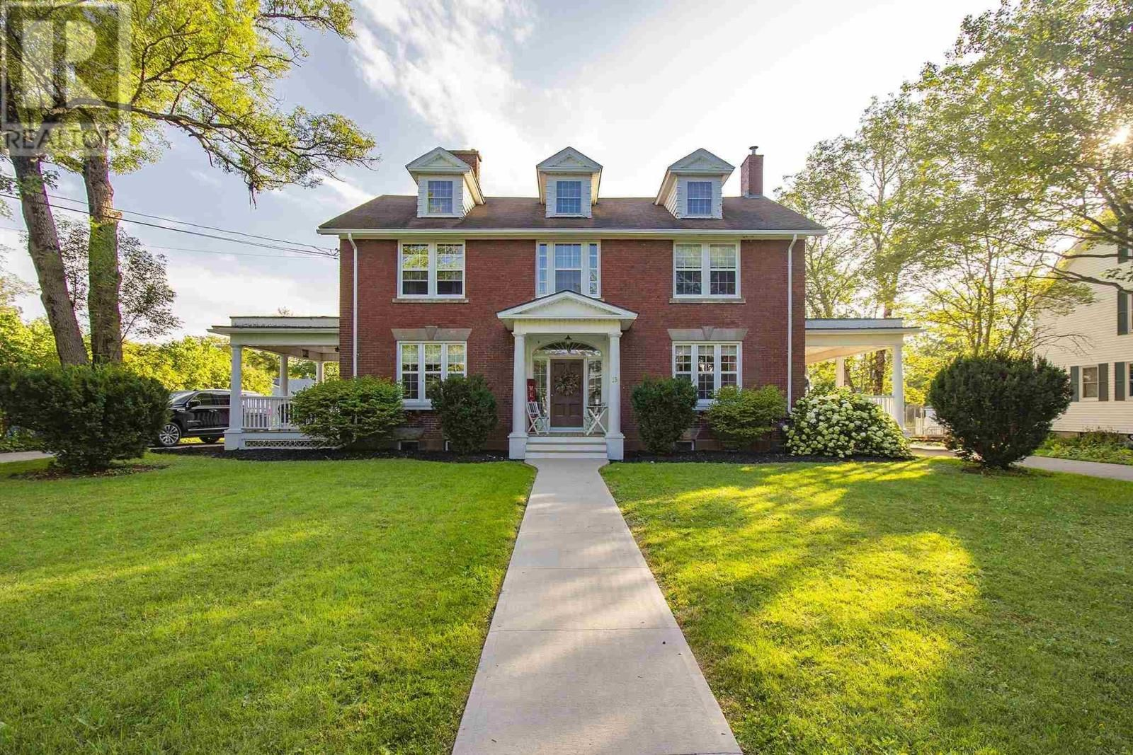 Main Photo: 13 Regent Street in Amherst: House for sale : MLS®# 202121238