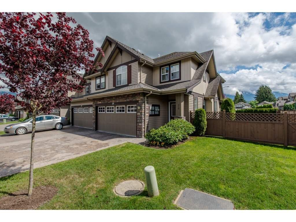 "Main Photo: 20 6577 SOUTHDOWNE Place in Chilliwack: Sardis East Vedder Rd Townhouse for sale in ""Harvest Square"" (Sardis)  : MLS(r) # R2180935"